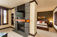 One-Bedroom Lakeview Suite