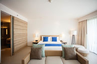 Suite with Kids Room