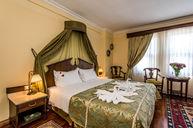 Sultan Corner Room