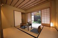 Sukiya-Style Room with Garden