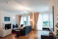 Superior Duplex Three-Bedroom Apartment with Garden View