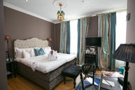 Medium Classic Room