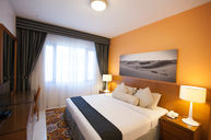 Three Bedroom Premiere Apartment (Golden Sands 10)