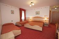 Tirolia Quadruple Room
