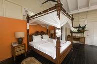 Treehouse (Honeymoon Suite)