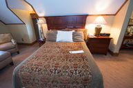 Bob Timberlake Inn Room with Partial Lakefront View, Queen Bed, Whirlpool Tub, Gas Fireplace