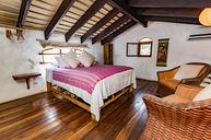 One-Bedroom Suite with Outdoor Shower