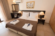 One Bedroom Suite with Pool (Sea View)