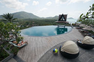Upper Infinity Edge Pool