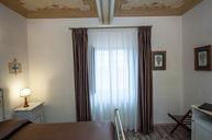 Papiri Room