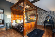 Pine Romantic Room