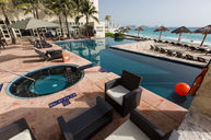 Royal Beach Club Pool