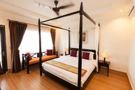 Royal Ocean Villa with Four Poster Bed