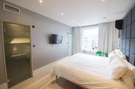 Royal Mile Room