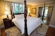 Royal Village Butler Suite