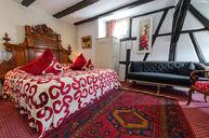 Schutz Deluxe Room