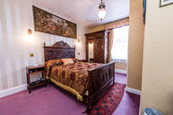 Second Double Room with Shower (Checkered Comforter)