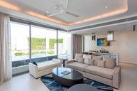 Sky Pool Suite