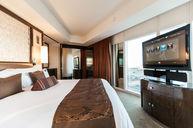 Strip View Suite