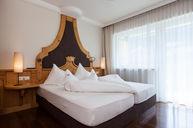 Three-Room Suite Leo