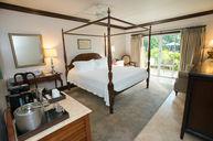 Caribbean Honeymoon Grande Luxe Poolside Walkout Room