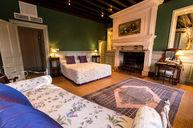 Catherine De Medicis Comfort Room