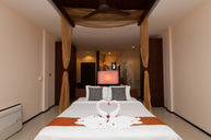 Cliff View Deluxe Room with Pool