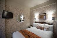 Cozy Queen Room