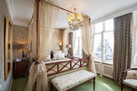 Deluxe Canal Room
