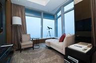 Deluxe Victoria Harbour Suite