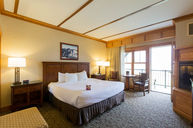 Deluxe King Lake Room