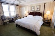 Deluxe Partial Ocean View Guestroom