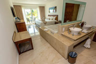 Deluxe Room (Sea View)