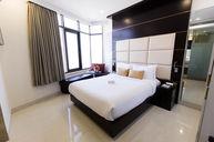 Deluxe Spa Ocean Room