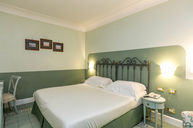 Double Room (Independent Entrance)