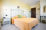 Double Standard Room with Terrace
