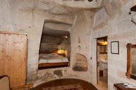 Cave Junior Suite