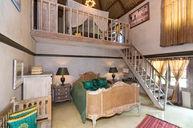 Family Room (Bungalow)