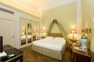Corte Room
