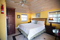 Cottage King Suite Yellow