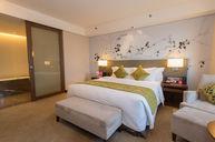 Crowne Plaza Superior Suite