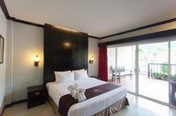 Deluxe Oriental Room