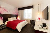 Deluxe Room 1 Queen