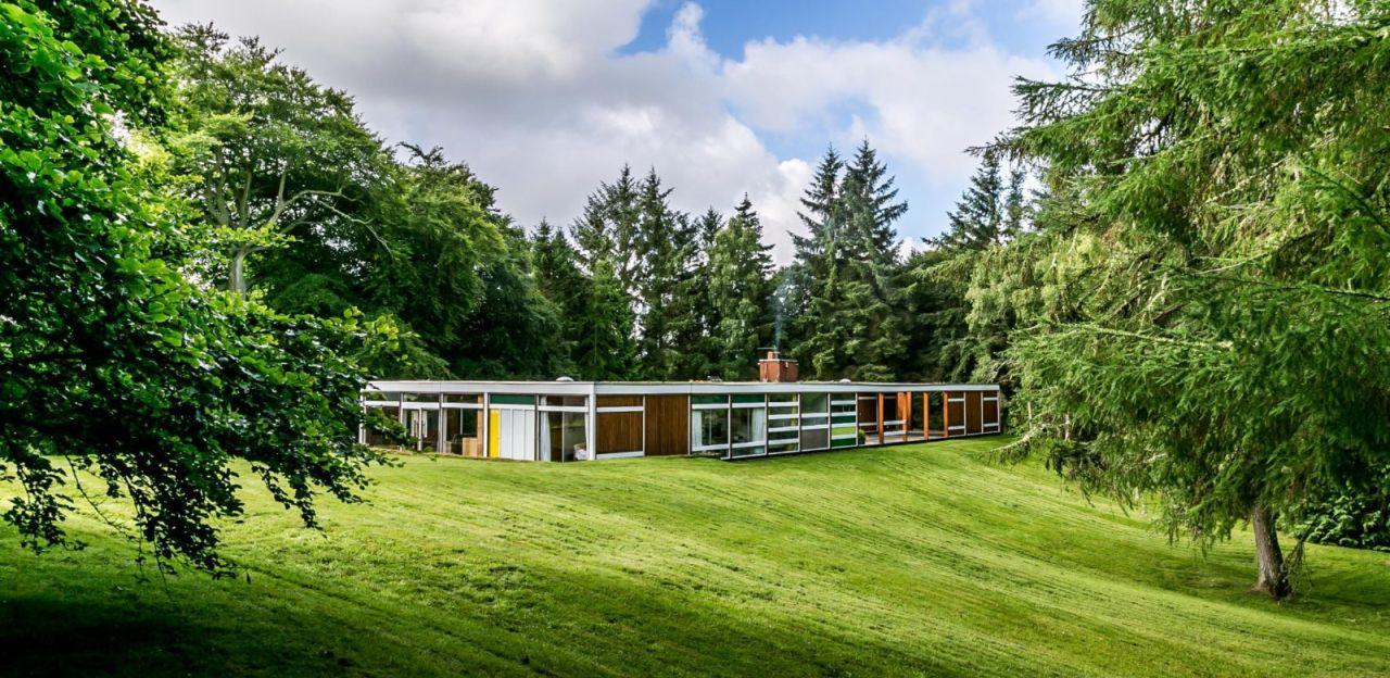 Bernat Klein's long and flat home nestled amongst trees.