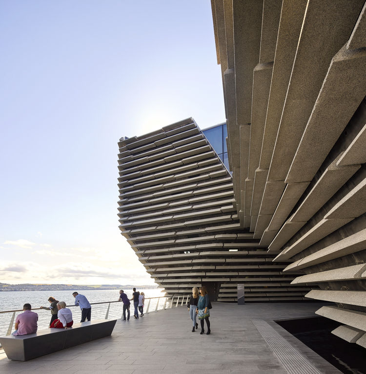 People looking out over the River Tay at V&A Dundee ©Hufton+Crow