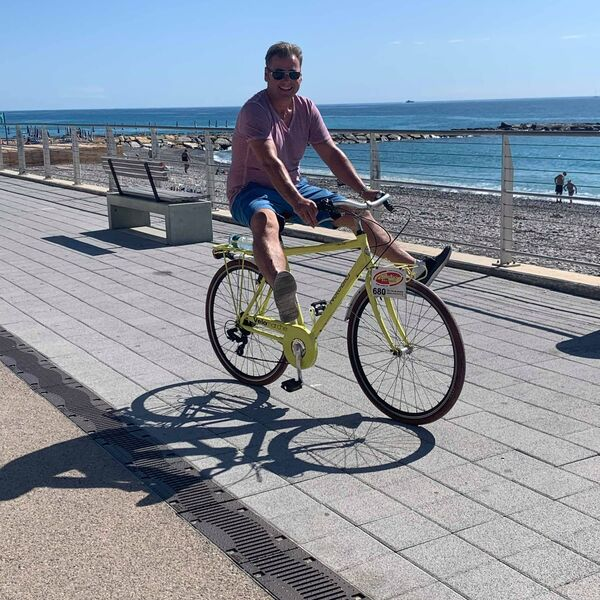 Cycling along the Sanremo seafront