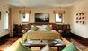 Jumeirah Malakiya Villas : Master Bedroom