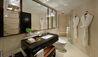 Shangri-La Hotel, Singapore : Tower Wing Deluxe Room - Bathroom