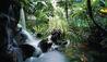 Shangri-La Hotel, Singapore : Atrium Waterfall