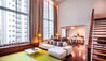COMO Metropolitan Bangkok : Como Suite Lounge And Dining Area